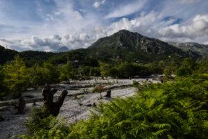Süd-Albanien, bergiges Hinterland und felsige Küste