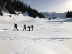 Schneeschuh-Hoteltour ab Vna ins Val Sinestra und nach Tschlin (GR)